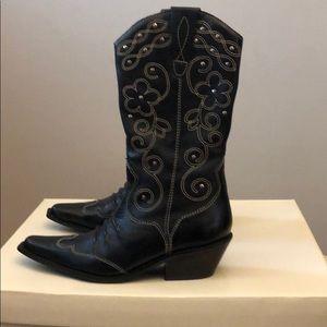 Matisse black lasso boot.